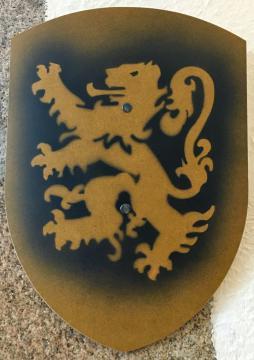 Bouclier Bergish Lion noir 27 x 37 cm courbé