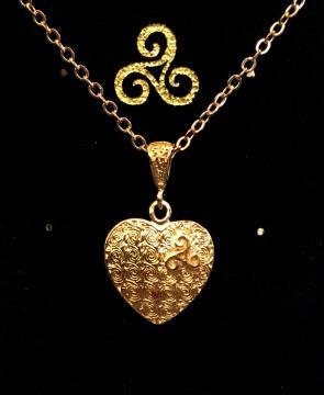 Pendentif triskell coeur