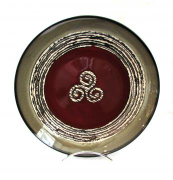Grande assiette plate rouge triskell