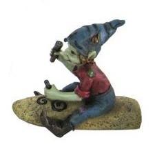Elfe sculpteur menhir triskell assis avec bonnet bleu 65x55x125