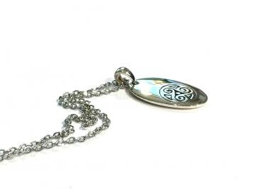 Pendentif triskell ovale